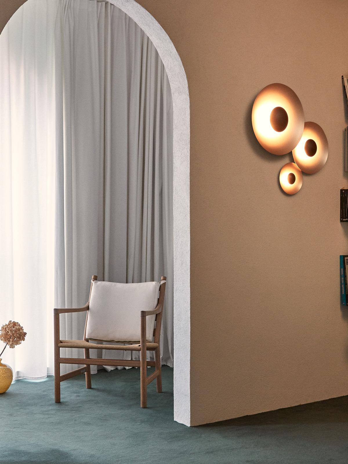 Ginger C Wandleuchte im Flur DesignOrt Marset Lampen