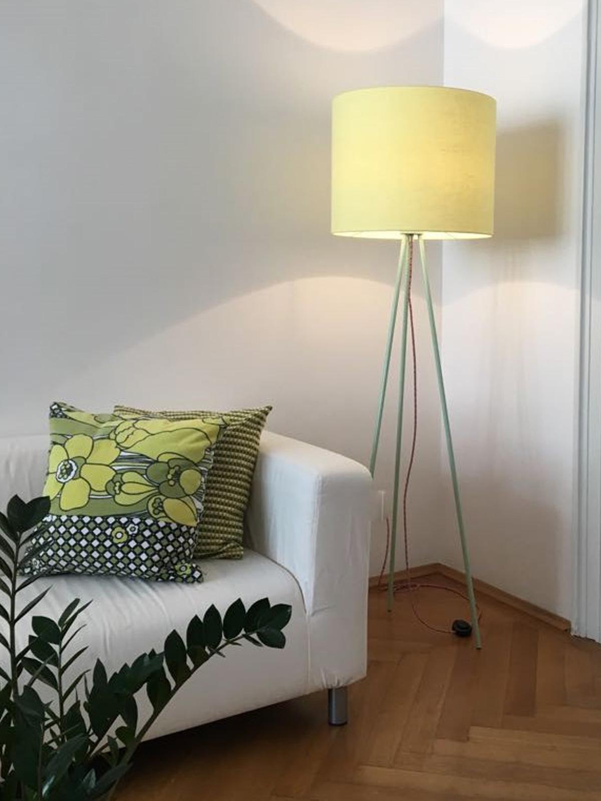 Hygge Linum Tripod Stehleuchte Lumbono DesignOrt Onlineshop Lampen Berlin