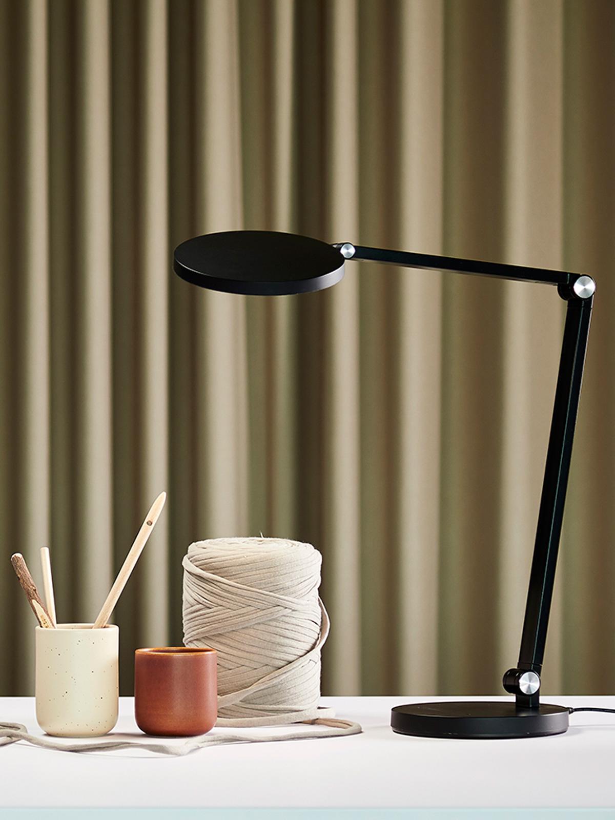DesignOrt Blog: Desk Tischleuchte Frandsen Designort Berlin Lampen Onlineshop