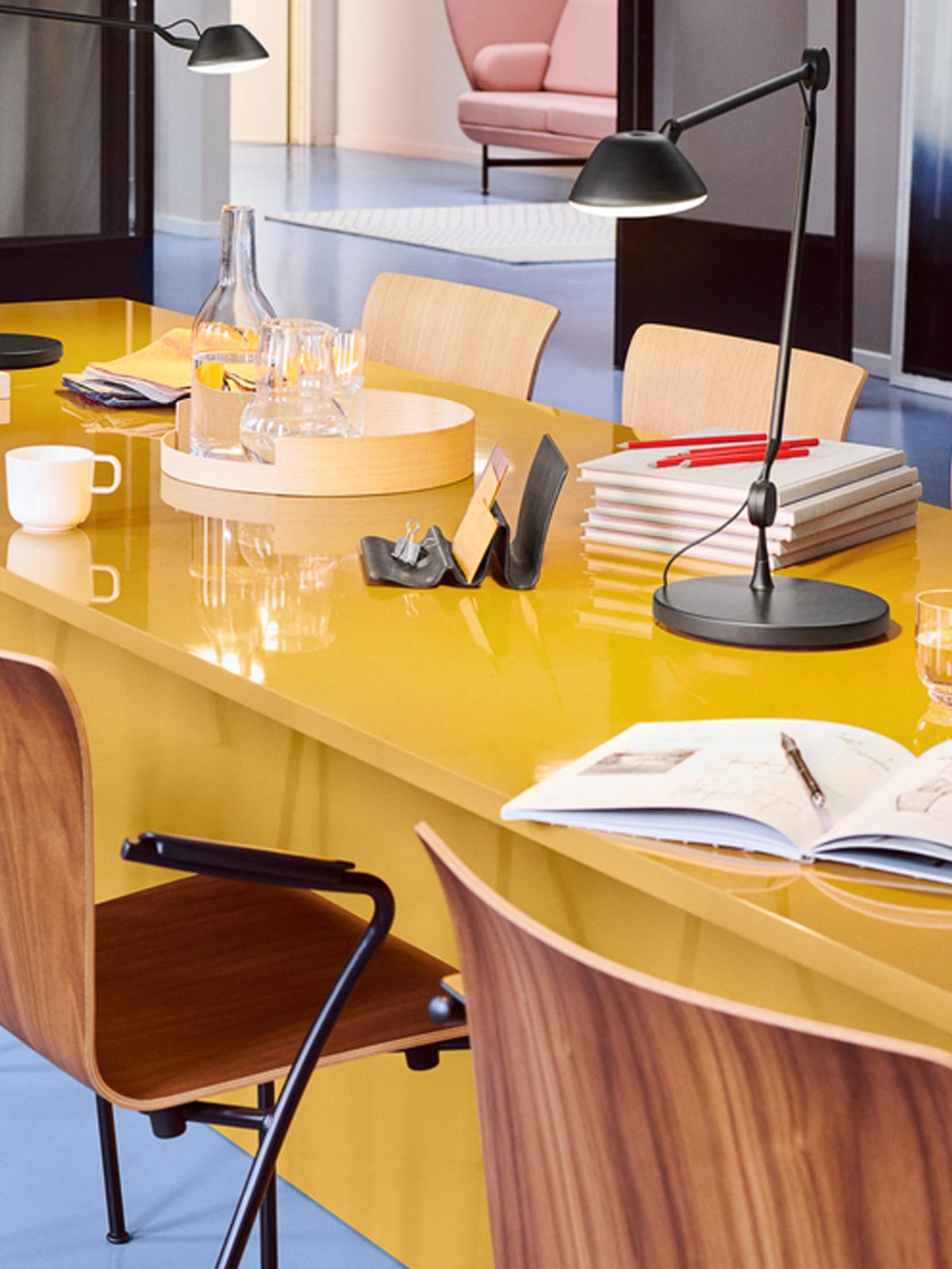 DesignOrt Blog: Schreibtischlampen AQO1 Tischleuchte Republic of Fritz Hansen