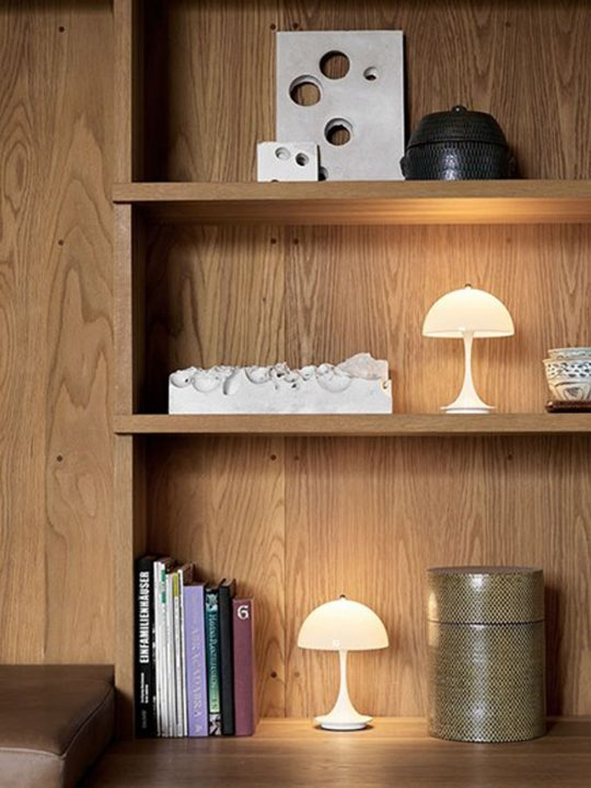 Louis Poulsen Panthella portable DesignOrt Berlin Lampen Onlineshop