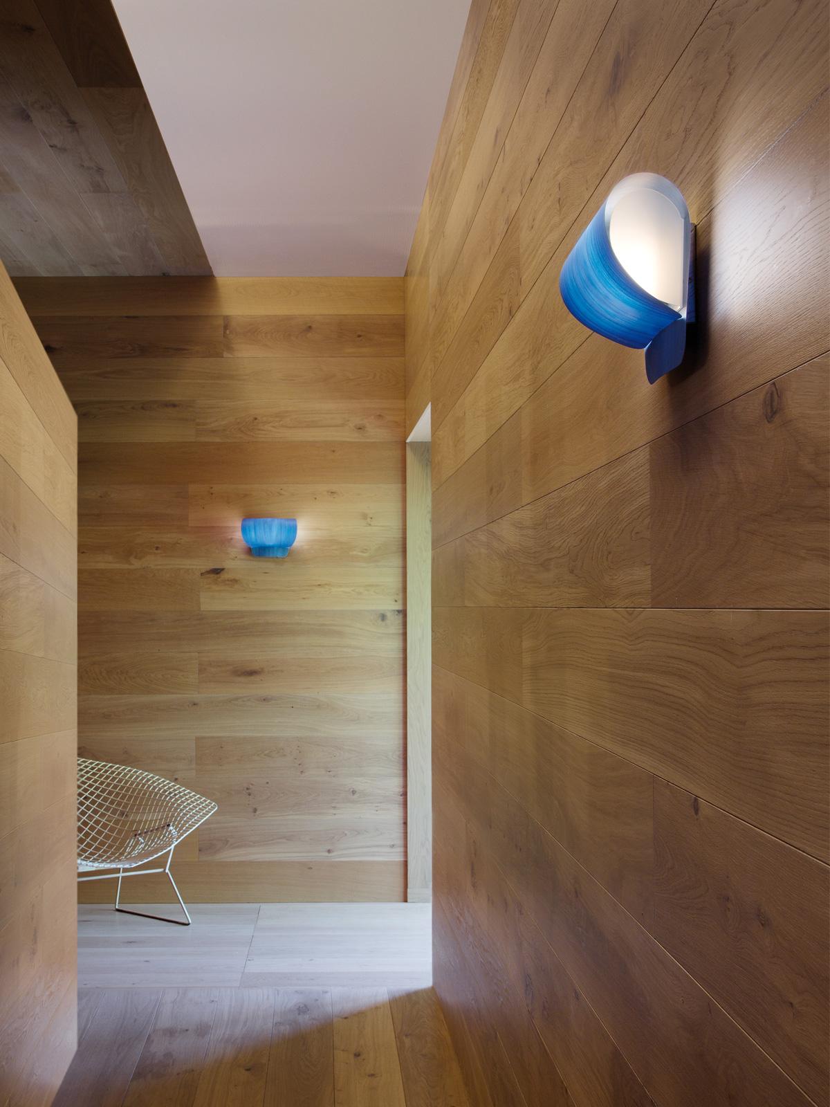 LZF Oleg Wandleuchte Holz 11 Furnierholzfarben Designort Berlin Lampen
