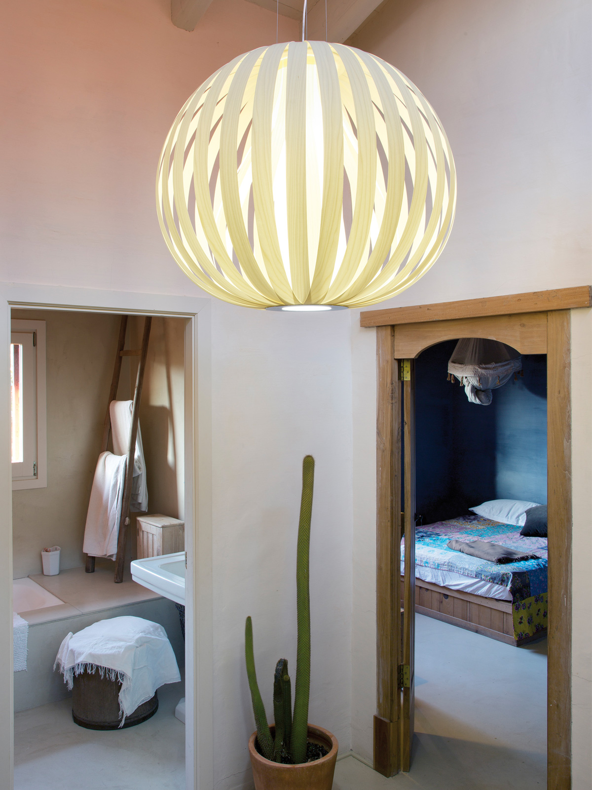 DesignOrt Blog: Poppy Pendelleuchte LZF Lamps