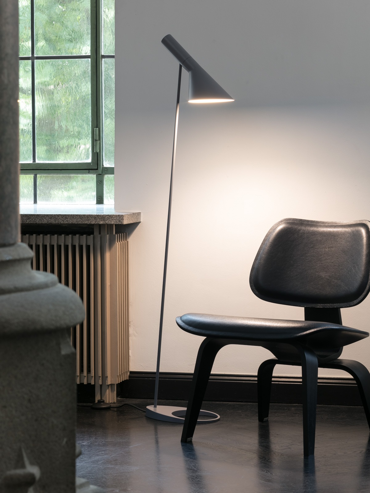 Louis Poulsen AJ Stehleuchte DesignOrt