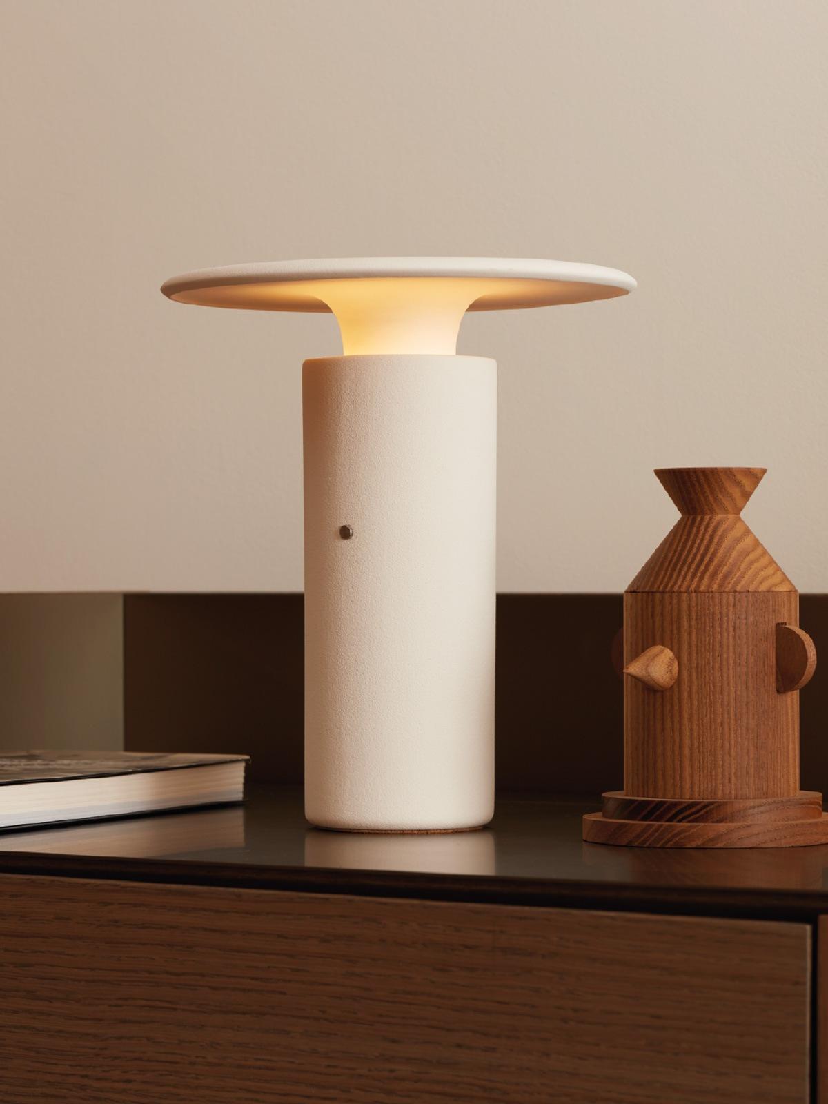 Pott Nais Tischlampe Keramik Designort Berlin Lampen Onlineshop