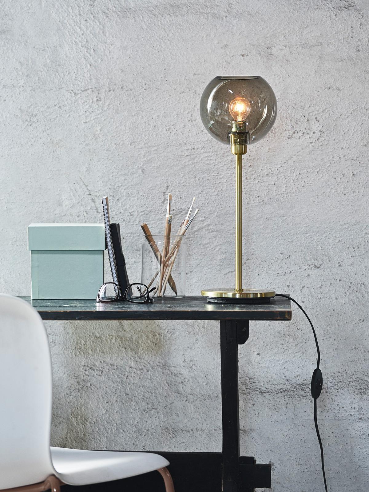 DesignOrt Blog Tischleuchte mit Glasschirm DesignOrt Onlineshop Lampen Berlin