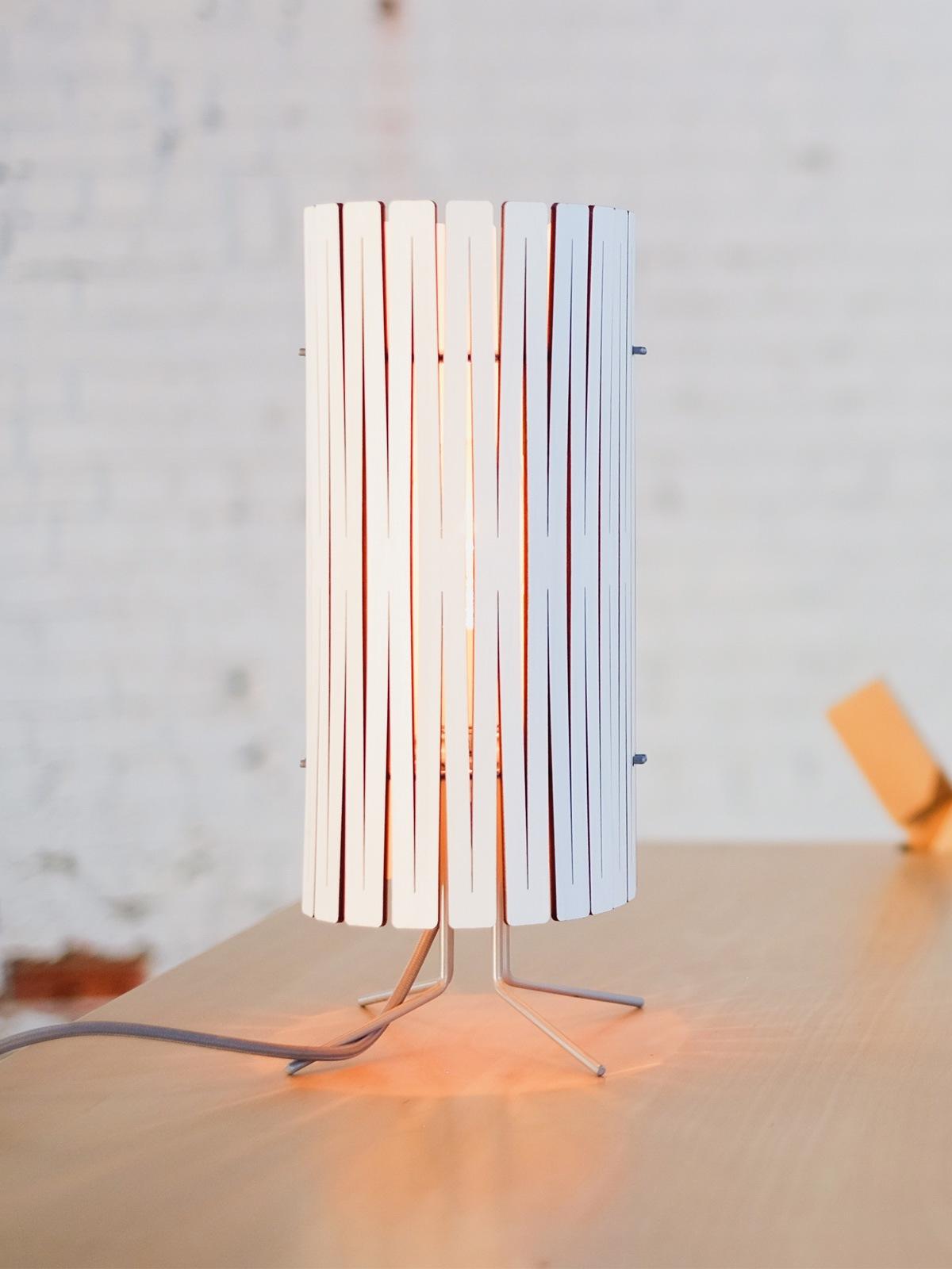 Graypants Kerflight T Tischleuchte aus Holz DesignOrt