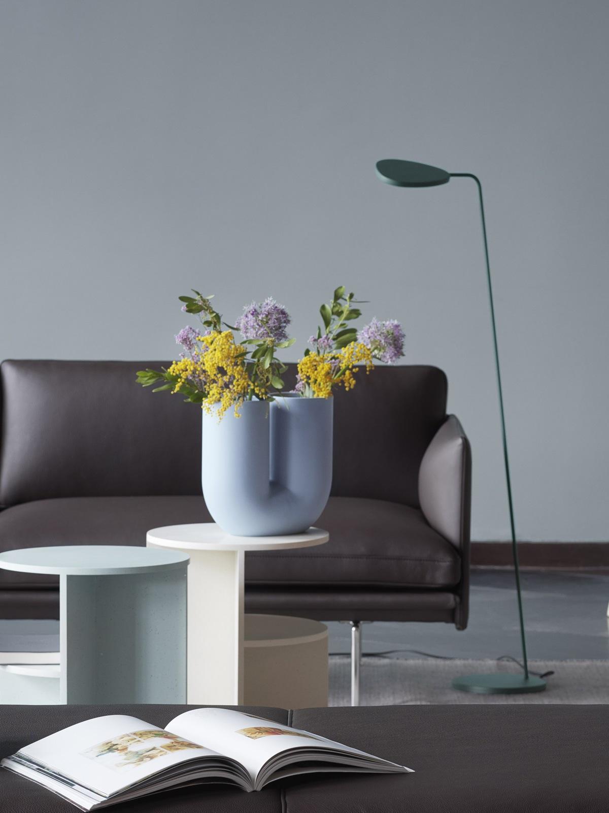 Best of DesignOrt Blog: Leaf Floor schlanke Stehleuchte muuto DesignOrt