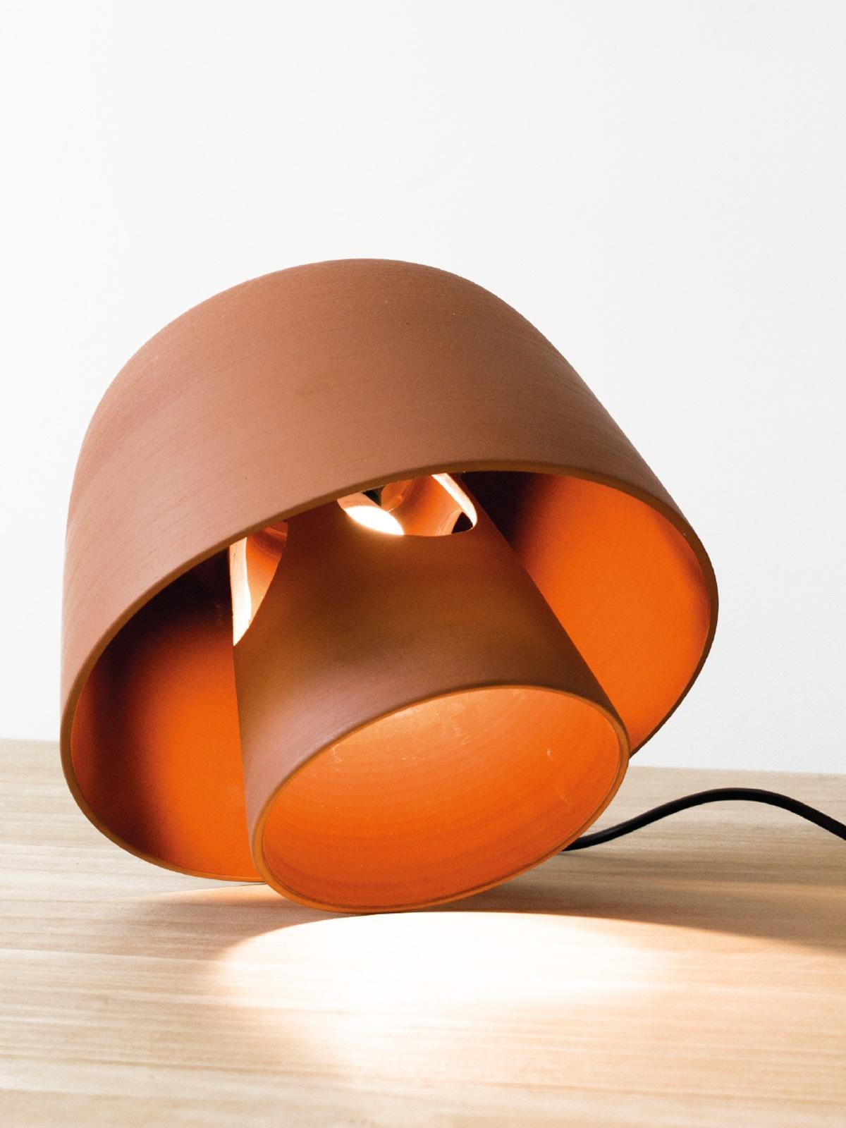 Okina Tischlampe Pott