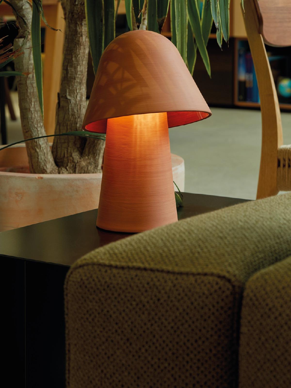 DesignOrt Blog: Okina Table Tischlampe aus Keramik Pott Designort Lampen Onlineshop Berlin