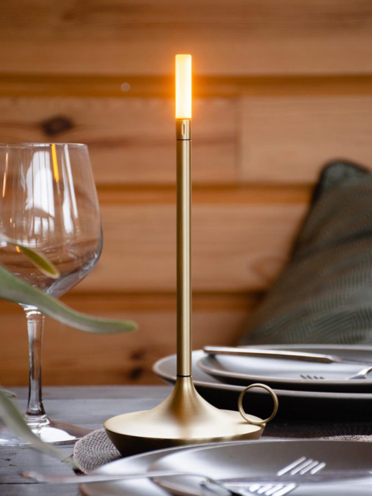 DesigNOrt Blog: Tischleuchte Wick tragbare Akkuleuchte