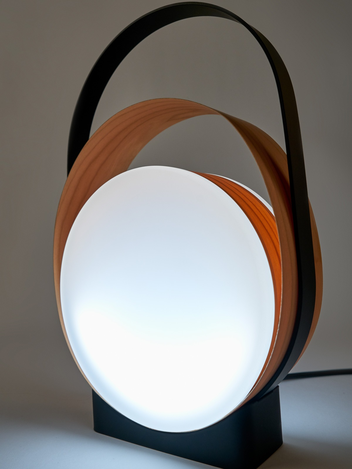 Loop Detail LZF Tischlampe DesignOrt Lampen Berlin