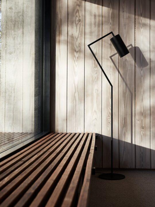 Frandsen Droid Stehleuchte DesignOrt Lampen Berlin Onlineshop