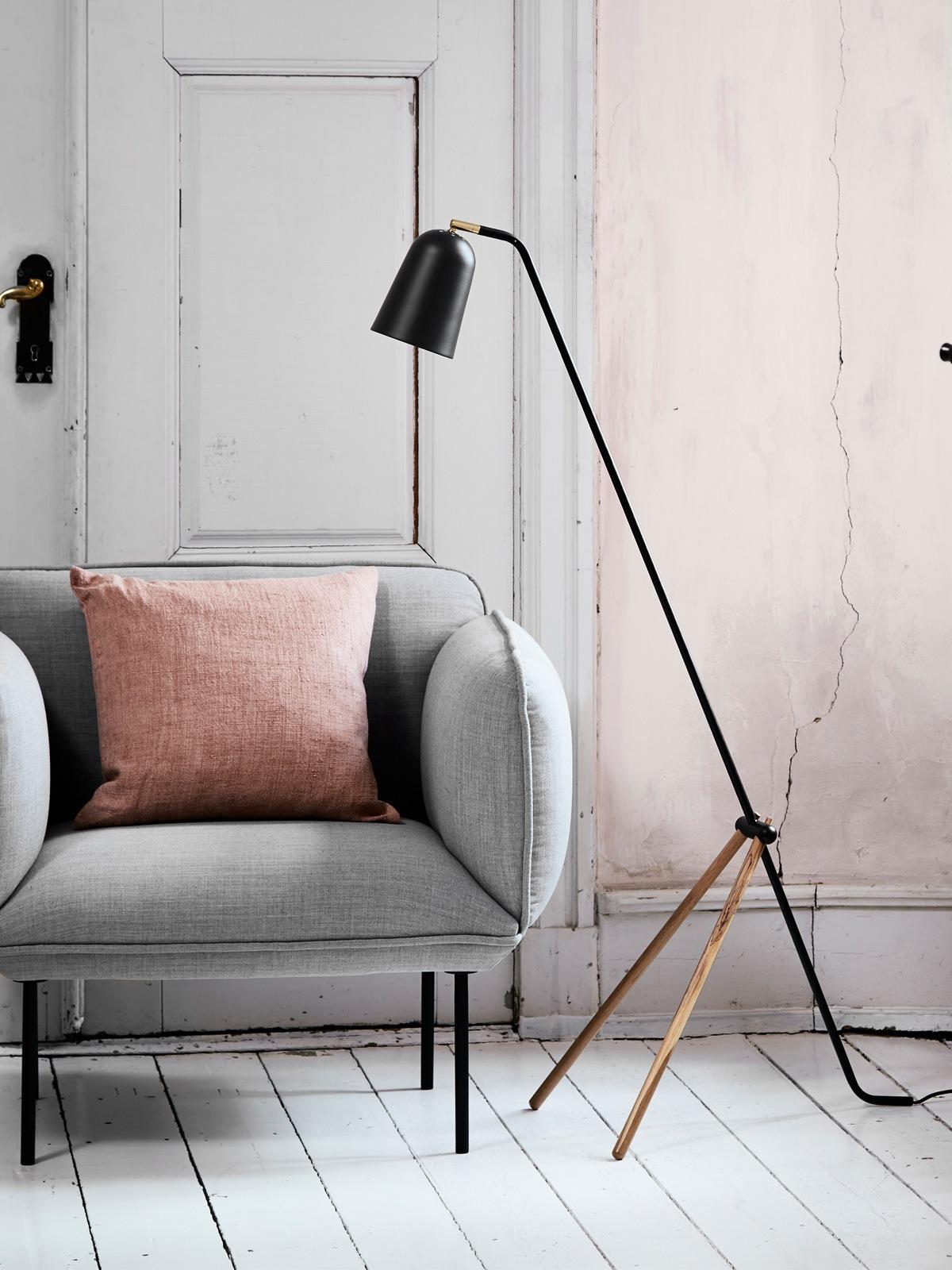 DesignOrt Lampenblog: Frandsen Leuchte Giraffe Floor Lamp Stehleuchte DesignOrt Onlineshop Lampen Berlin