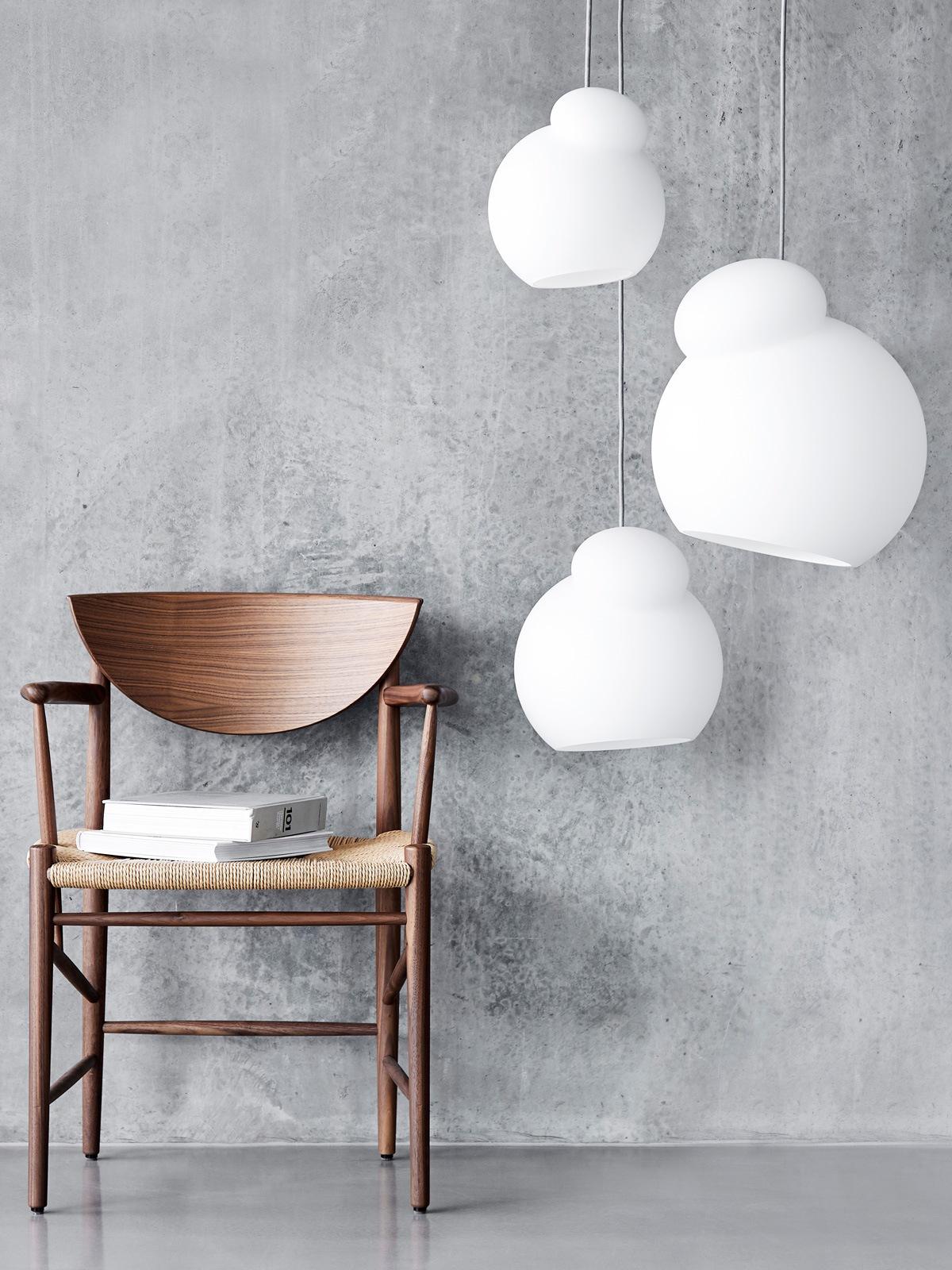 Air Glass Pendant Frandsen Pendelleuchte mundgeblasenes Glas drei Größen DesignOrt Onlineshop Leuchten Berlin