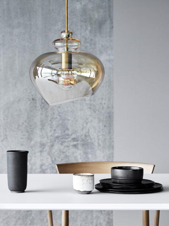 Grace Brass Glas Leuchte Frandsen Designort