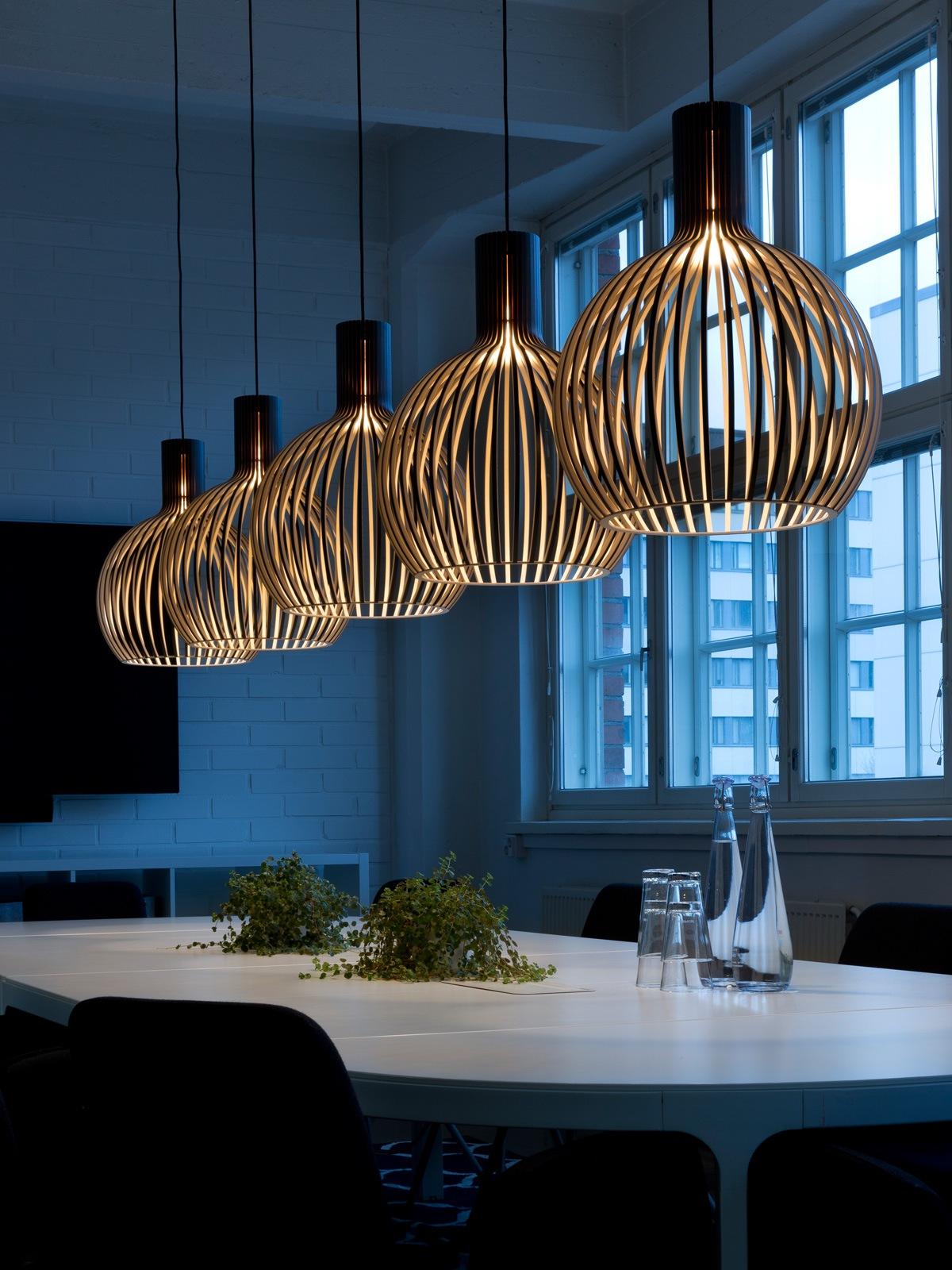 DesignOrt Blog: Octo 4241 small Secto Design skandinavische Holzleuchte DesignOrt Lampen Berlin Onlineshop