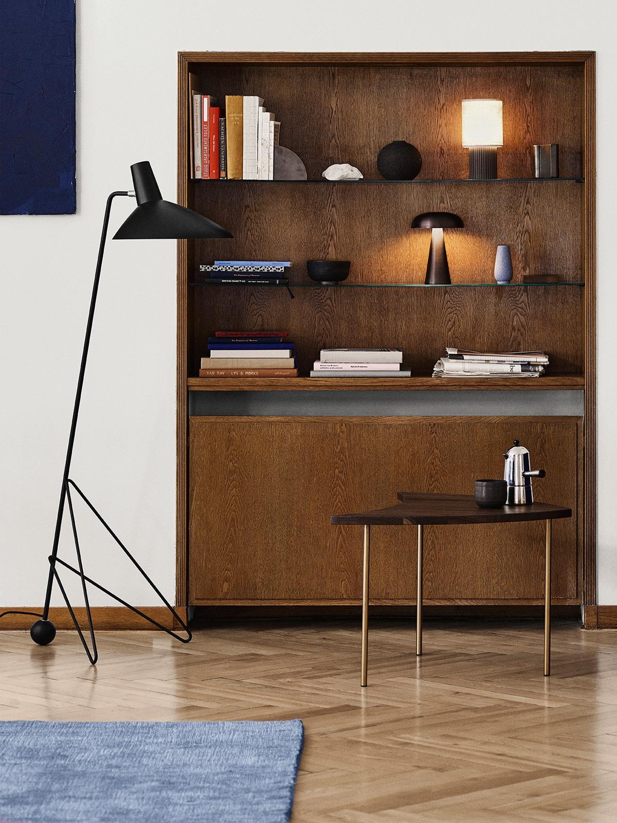 Tripod HM8 &tradition Stehleuchte DesignOrt Designerleuchten Berlin Onlineshop