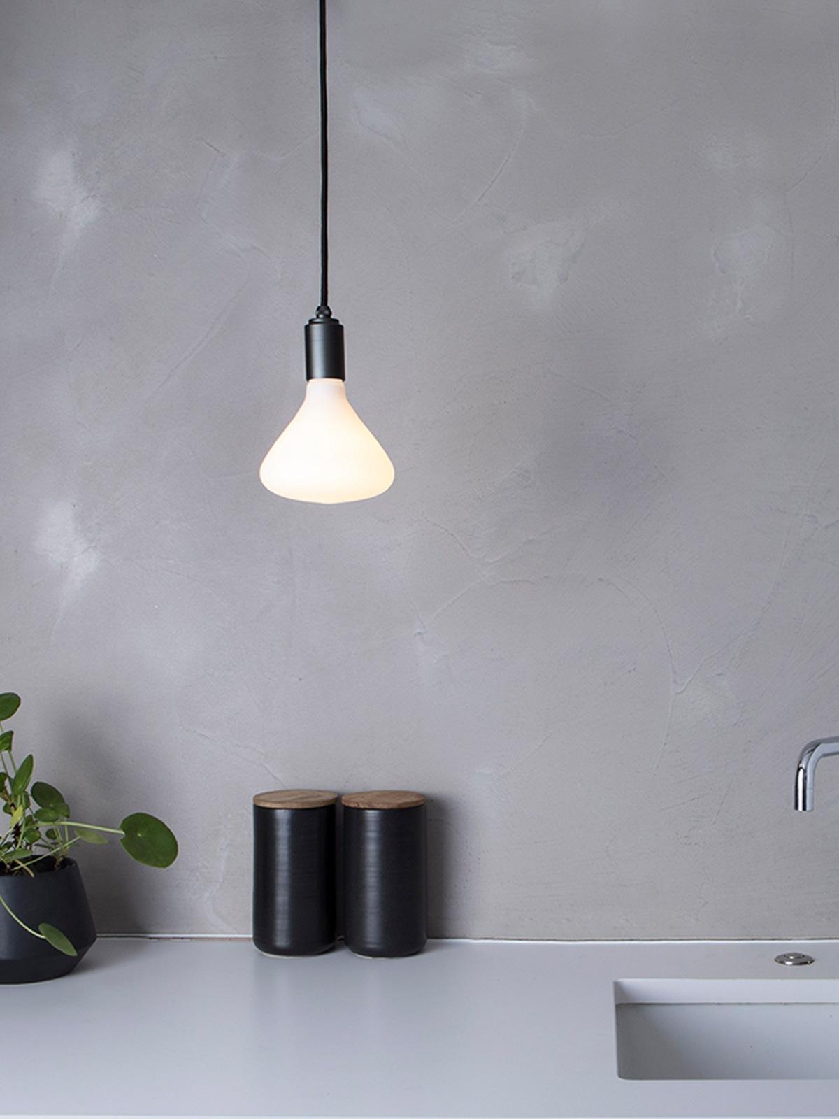 Pendant Light Graphit Noma Birne DesignOrt Lampen Berlin