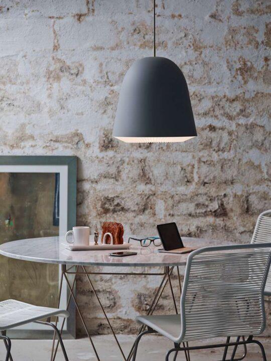 Caché in Grau Le Klint Pendelleuchte DesignOrt Onlineshop Lampen Berlin