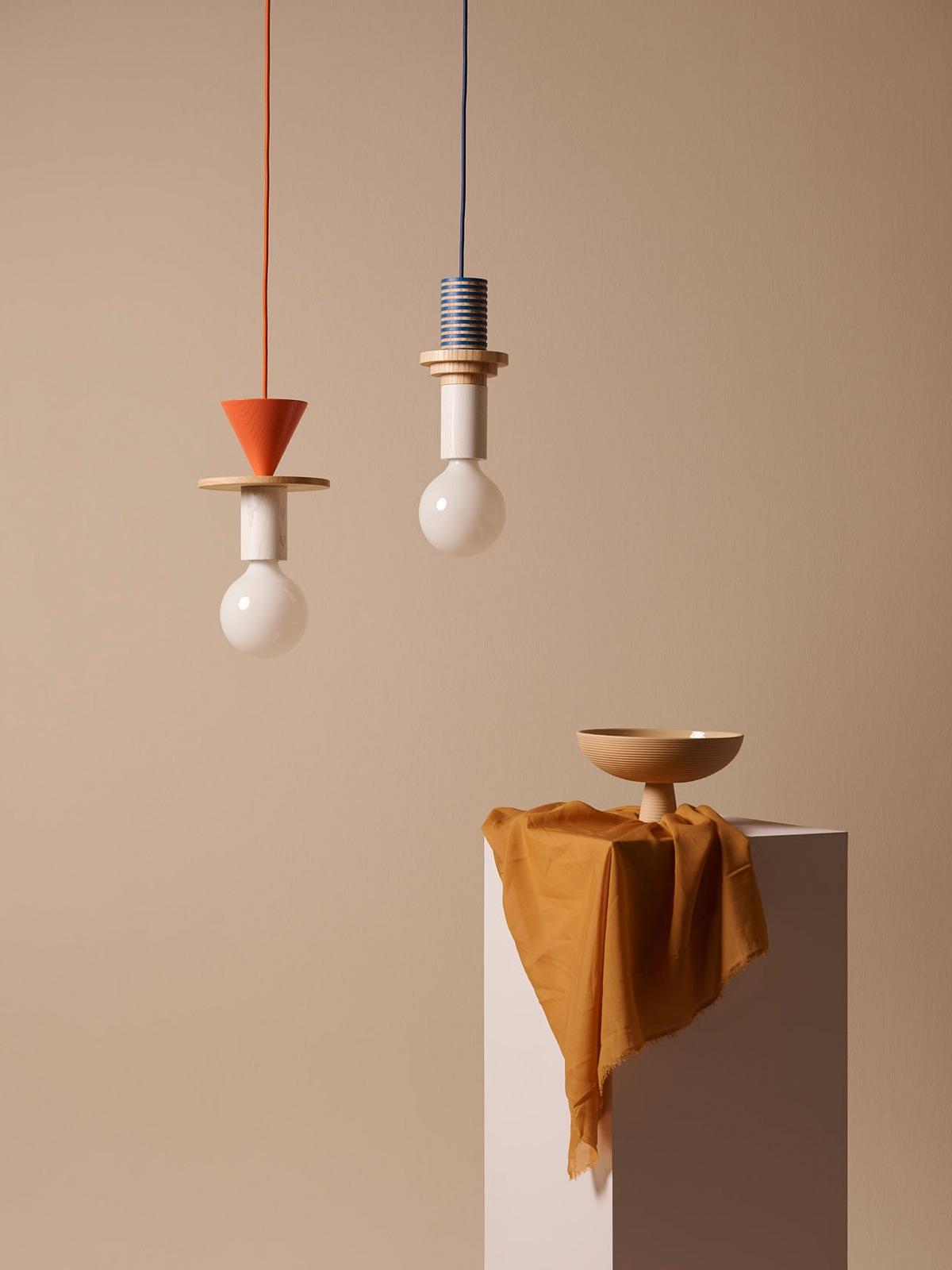 DesignOrt Blog: Schneid Junit Pendelleuchte System aus Holz mit weißer Glühbirne Leuchten Berlin DesignOrt Onlineshop