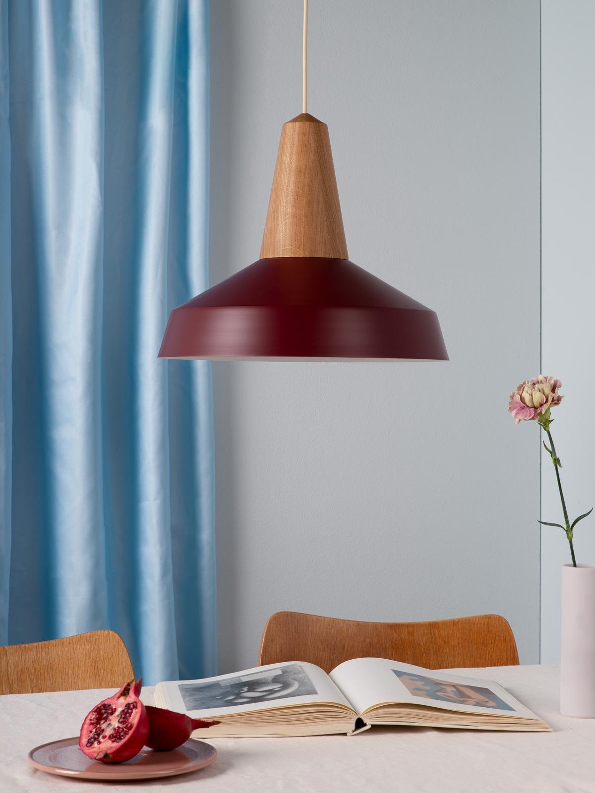 DesignOrt Blog Trendfarben 2021 Schneid Circus in Burgunder