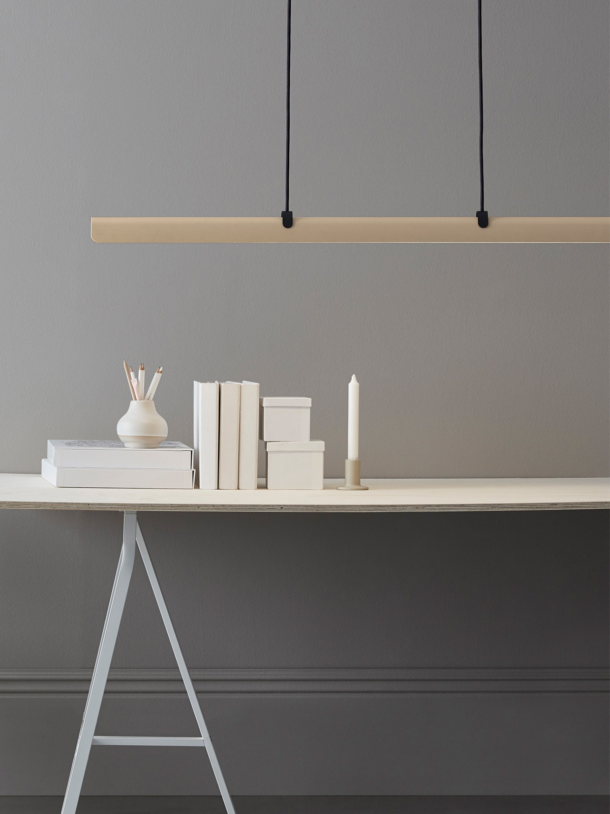 Belid Fold waagerechte lange Leuchte DesignOrt Designerlampen Berlin