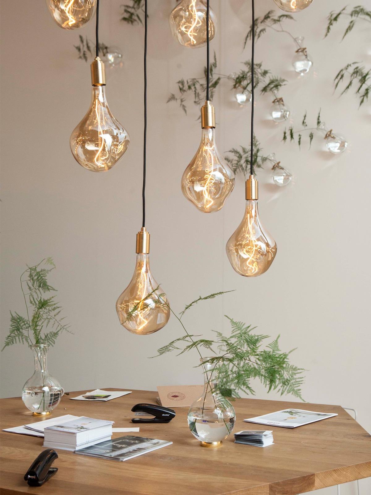 Trend: Pendelleuchten in Gruppen hängen Tala Pendant Light Fassung und Leuchtmittel DesignOrt Onlineshop Lampen