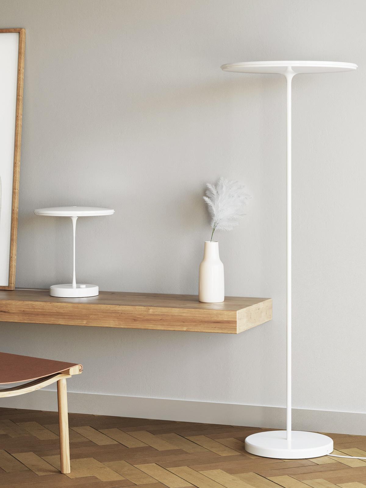 Tip Floor und Tip Table skandinavische Leuchten mit flachem Lampenschirm Innolux Leuchte