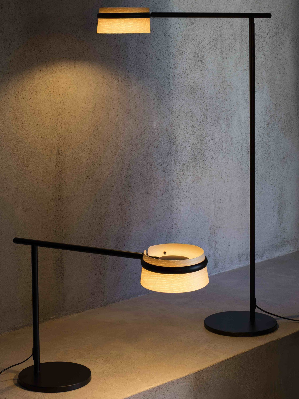 Faro Barcelona Lampe Loop Floor Table DesignOrt Berlin