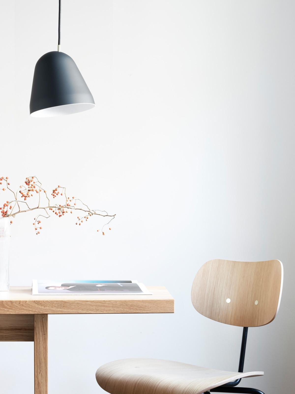 DesignOrt Blog: Made in Germany Pendelleuchte mit beweglichem Schirm DeisgnOrt Onlineshop Lampen