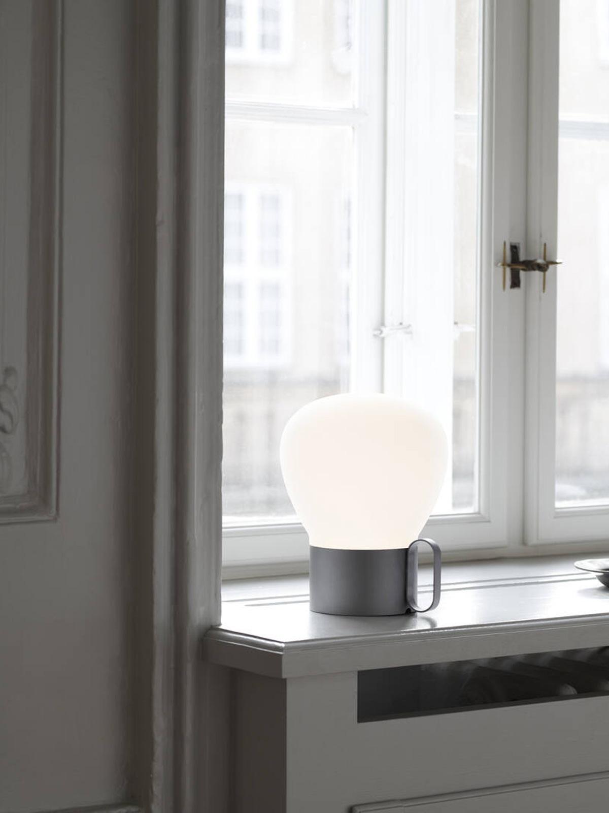 tragbare Tischlampe Drinnen und Draußen Nordlux Design for the People Onlineshop DesignOrt