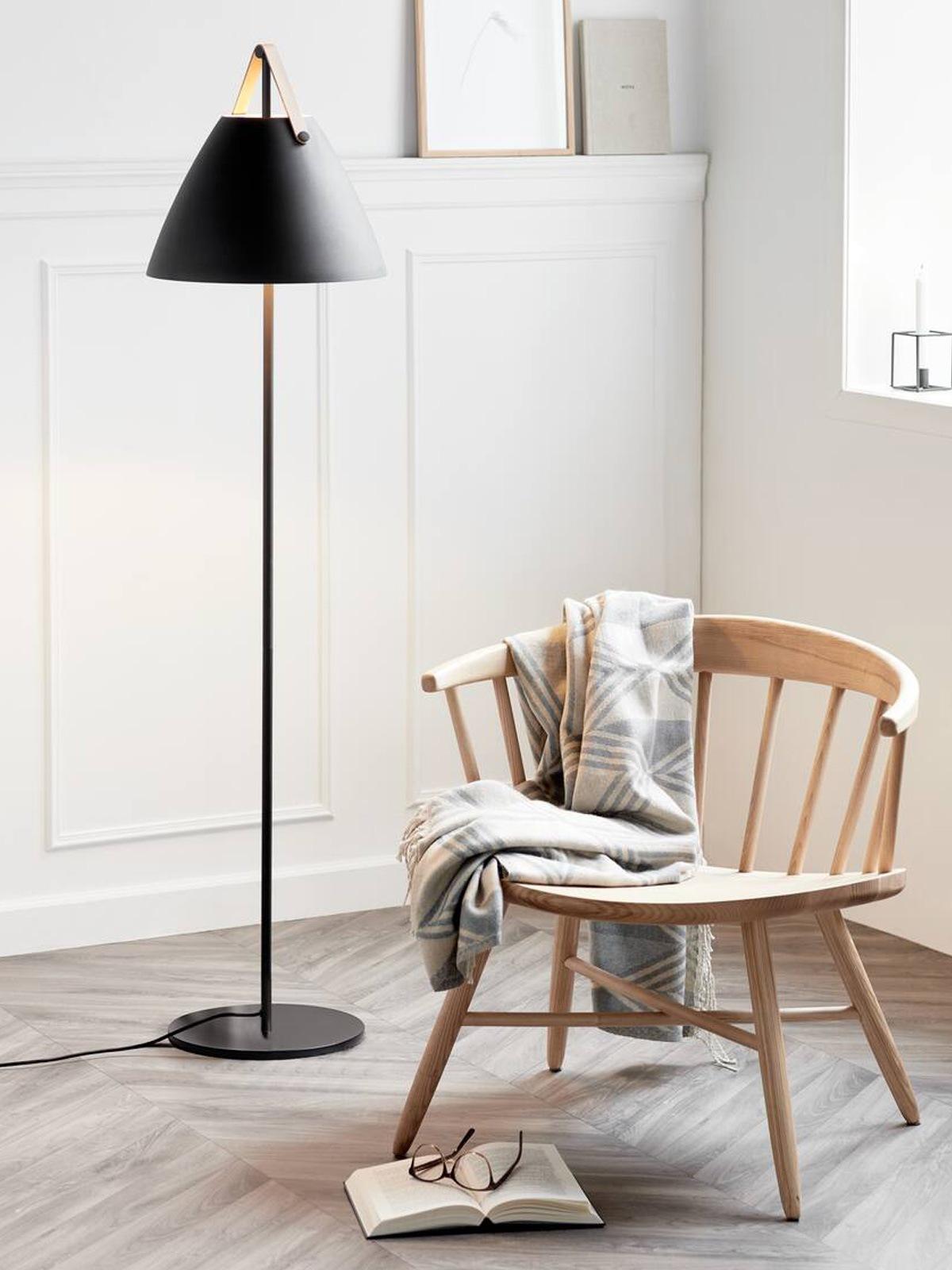 DesignOrt Lampenblog: Strap Floor Stehleuchte aus großer Leuchtenserie Design for the People by Nordlux