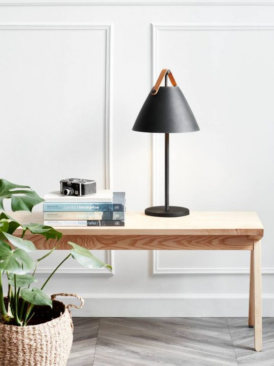 Design for the People by Nordlux Strap Table Tischlampe DesignOrt Lampen Berlin