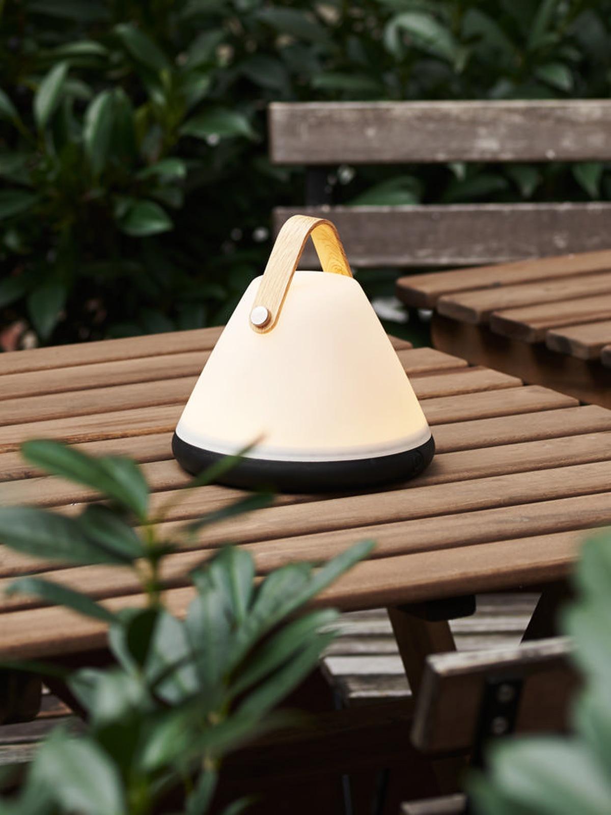 Strap-to-go aufladbare Lampe Design for the People Nordlux Designort Lampen Berlin