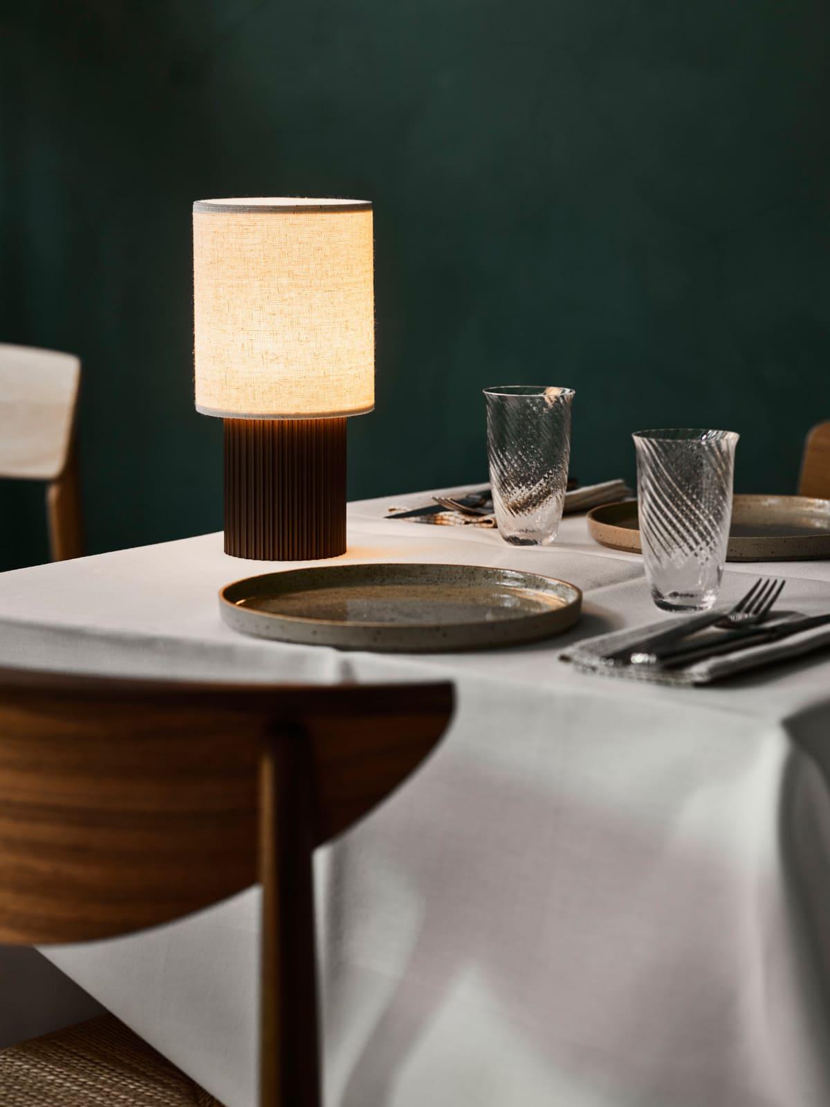 &tradition aufladbare Lampe Manhattan Tischlampe mit Textilschirm