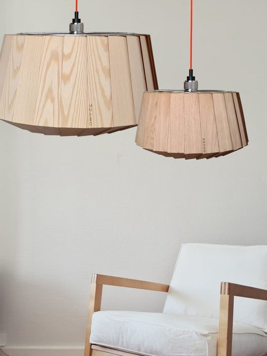 Designerleuchte aus Holz OYNEE light LAMmina Lampe