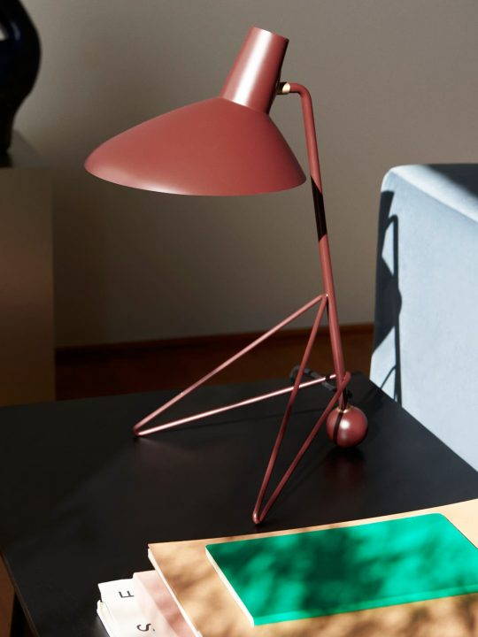 klassische dänische Tischlampe HM9 von &tradition Designerleuchte