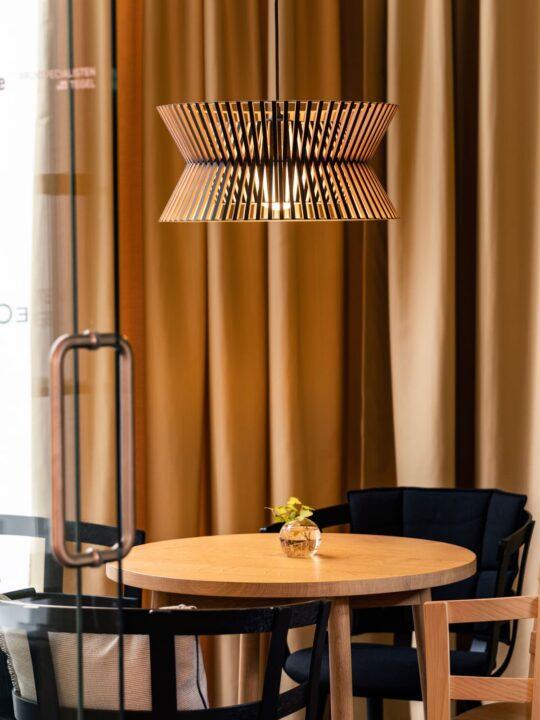 Holzleuchte Kontro 6000 Secto Design Lampe