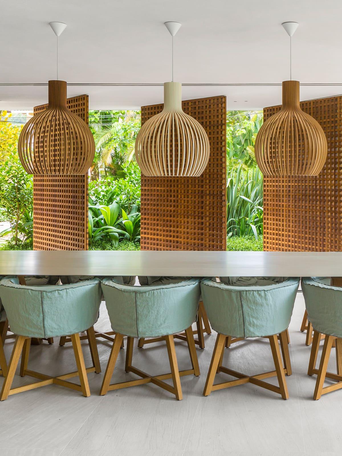 DesignOrt Lampen Blog Beleuchtung für lange Tische Wohnen Tipp Designerleuchten