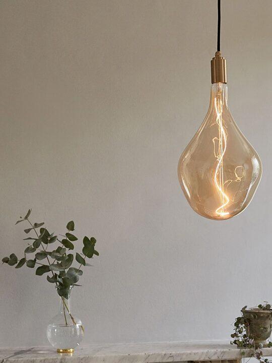 Voronoi Leuchtmittel von Tala mundgeblasene Glühbirne ohne Flickern DesignOrt Lampen Berlin