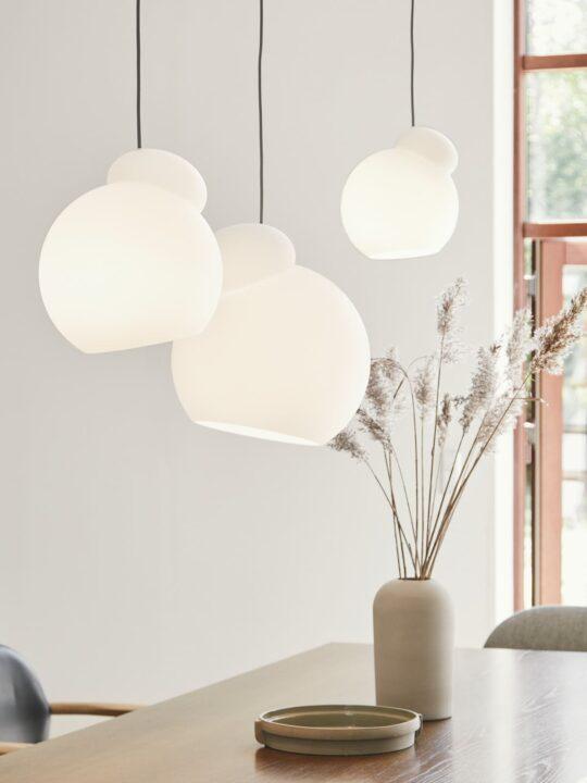 Lampen aus Milchglas Frandsen Air Leuchten DesignOrt Onlineshop